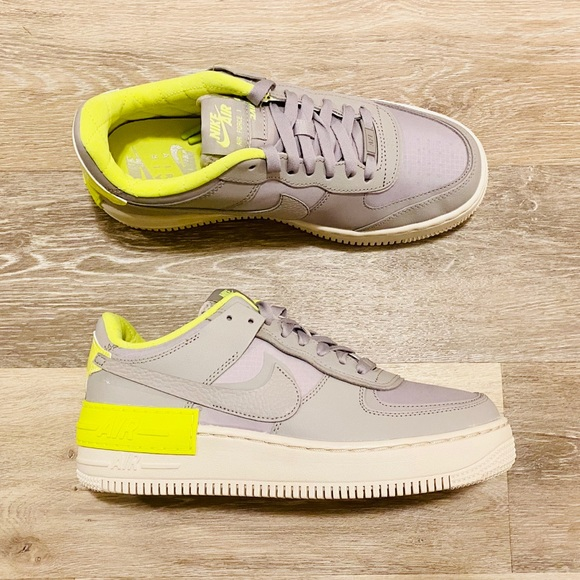 Nike Shoes Nike Air Force Shadow Se Atmosphere Grey Volt Poshmark Featuring the iconic air force 1 silhouette, the 'shadow' has been given the playful deconstructed uppers treatment. poshmark